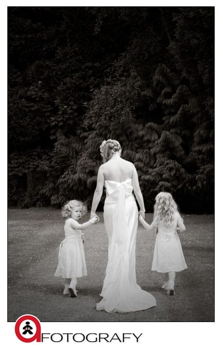 Bride-with-flower-girls-in-Dalhousie-Castle