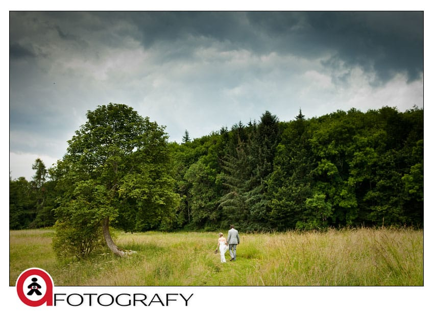 Wedding-photography-in-Dalhousie-castle