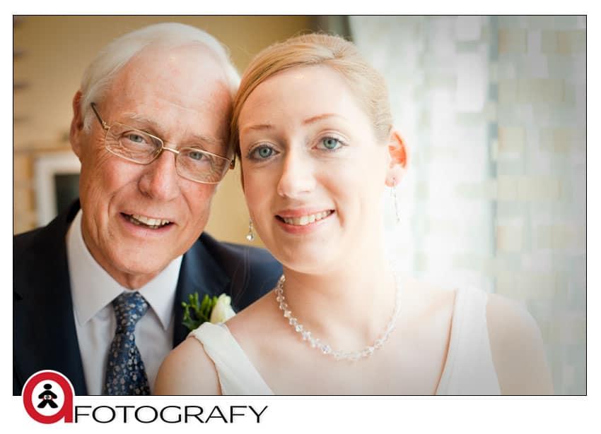wedding-bride-with-dad-edinburgh