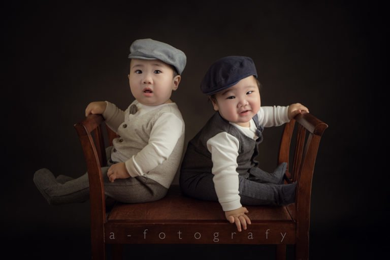 What to wear for Black and White family photos guide 14