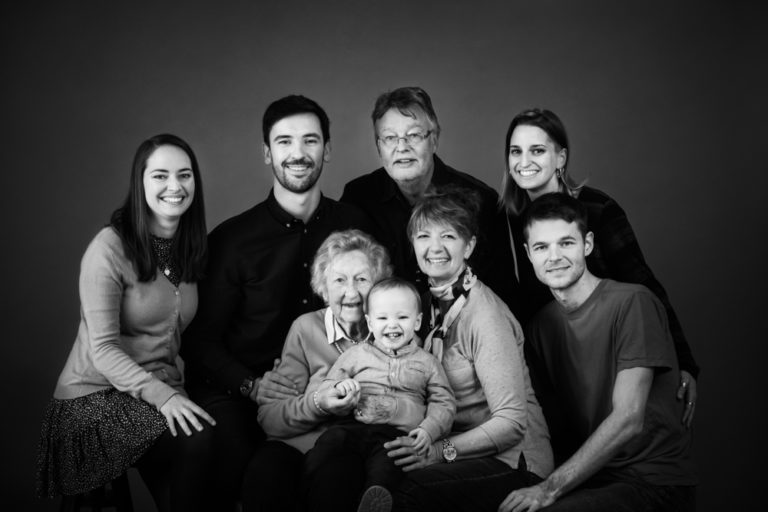 What to wear for Black and White family photos guide 24