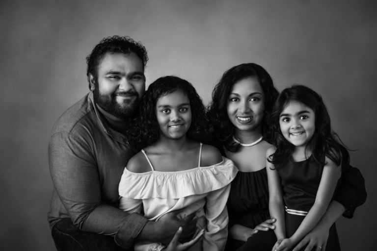 What to wear for Black and White family photos guide 9