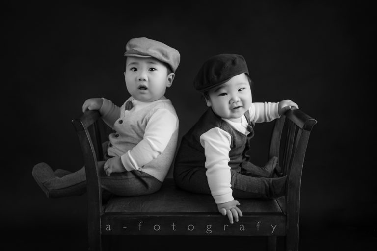 What to wear for Black and White family photos guide 15