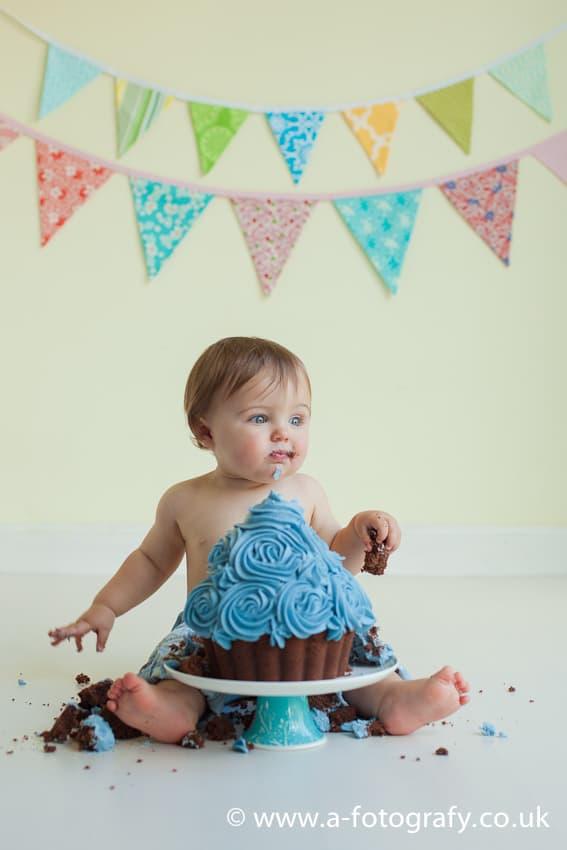 Edinburgh cake smash photography studio