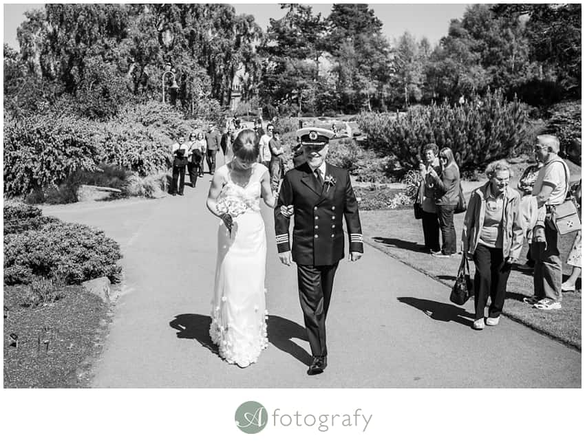 Edinburgh botanic gardens wedding photography-8
