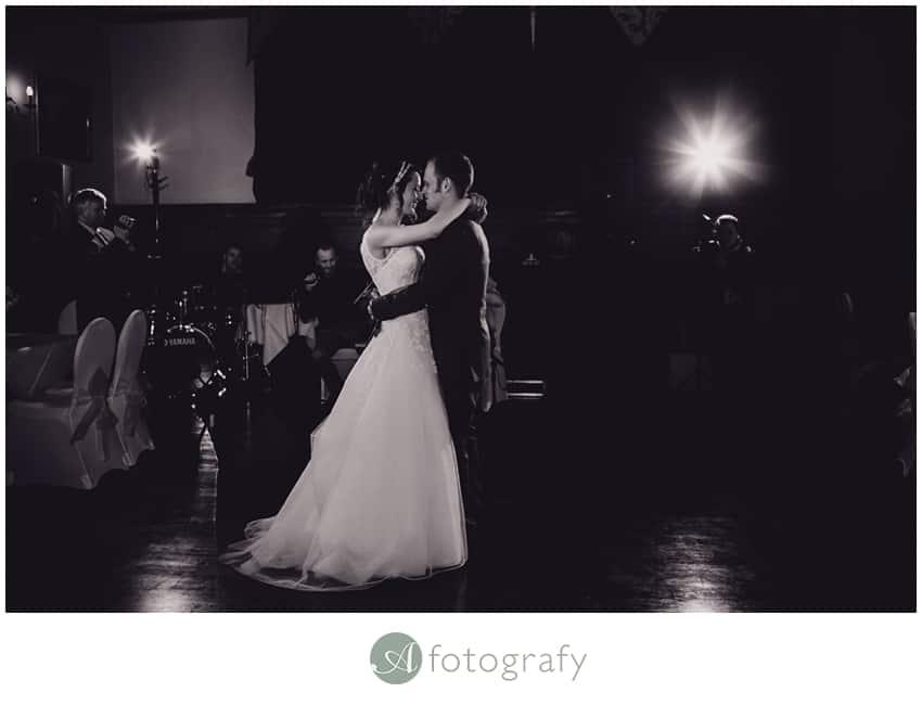 Edinburgh counting house wedding photography -19