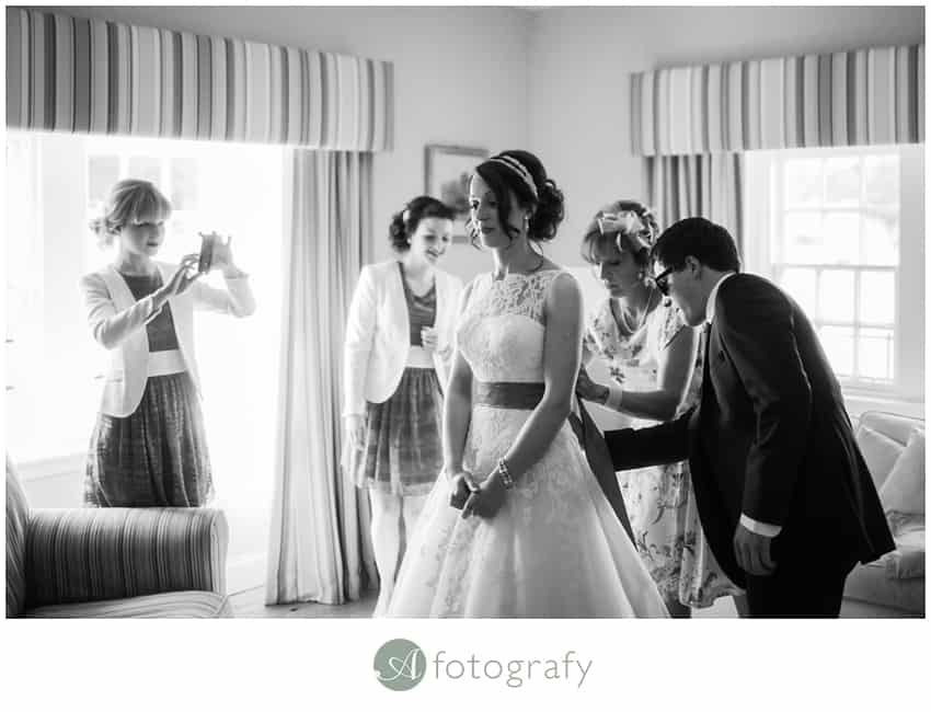 Hopetoun house wedding photography preparation-5