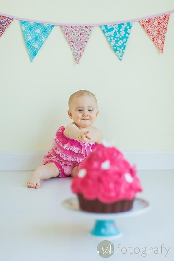 First Birthday Cake Smash Photography | Sophia-Belle 58