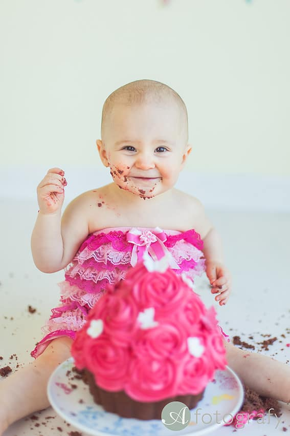 First Birthday Cake Smash Photography | Sophia-Belle 65
