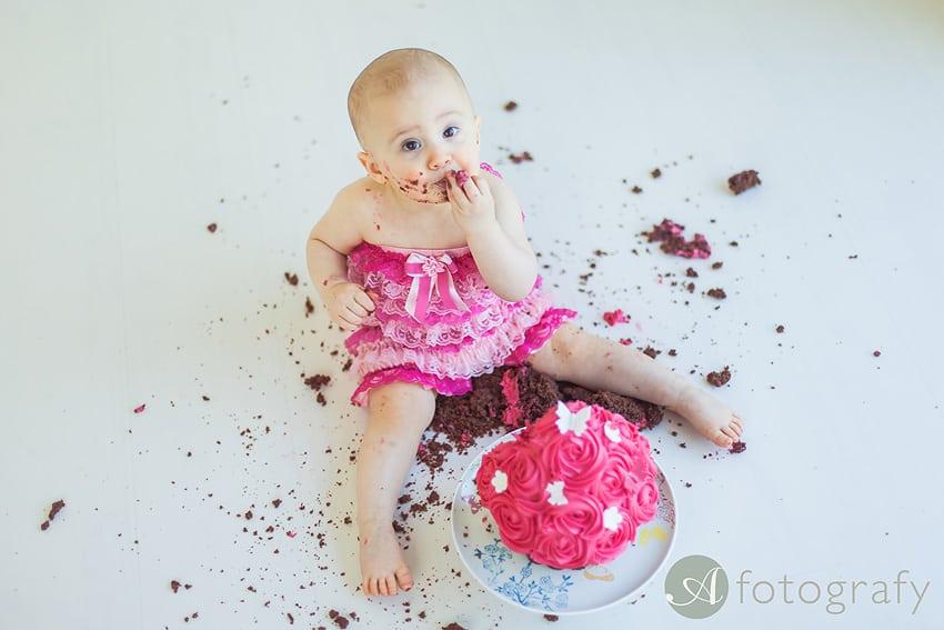 First Birthday Cake Smash Photography | Sophia-Belle 64