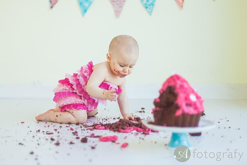 First Birthday Cake Smash Photography | Sophia-Belle 61