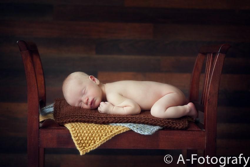 Newborn baby photography-009
