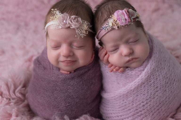 Newborn Twins Photography poses, tips and ideas 9