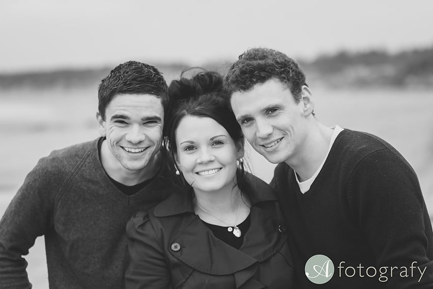 Professional family photos of Allsopps on Gullane beach 2