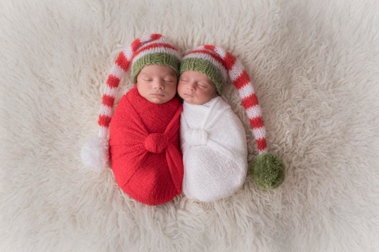 Newborn Twins Photography poses, tips and ideas 18
