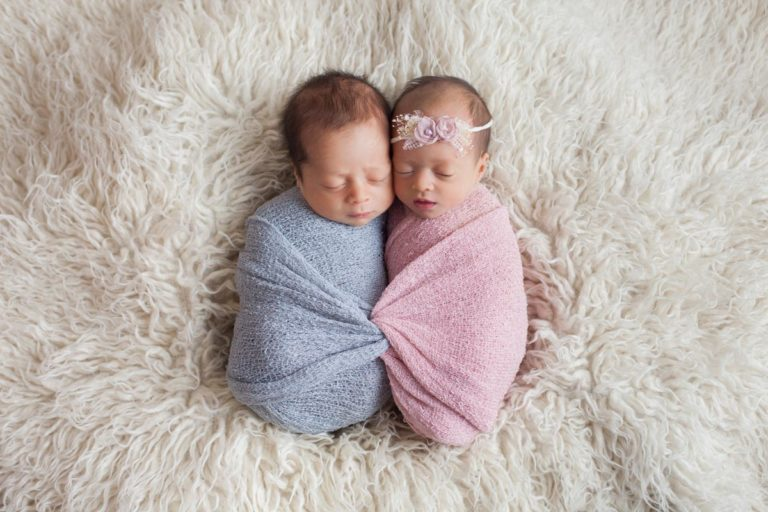 Newborn Twins Photography poses, tips and ideas 44