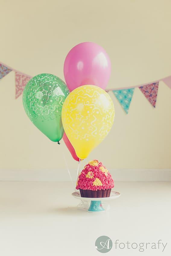 cake smash cupcake