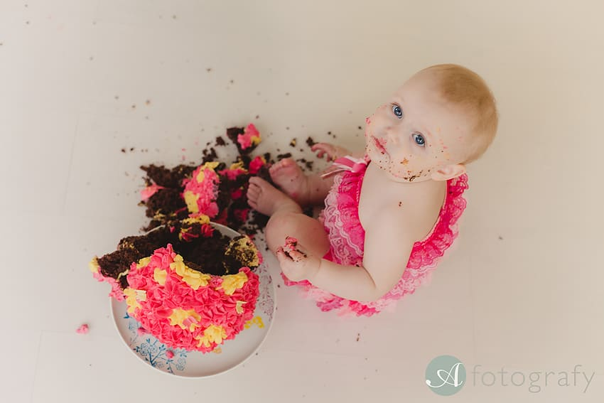 baby cake smash photo session Edinburgh