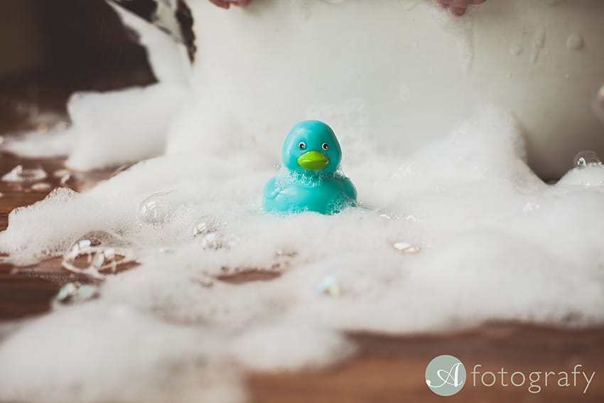 fun bubble bath photography session