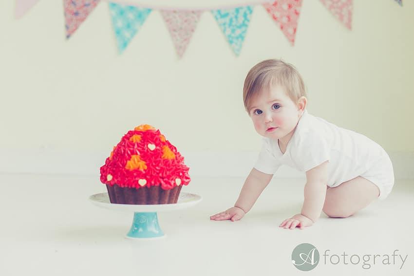 cute birthday cake smash photography Edinburgh-013