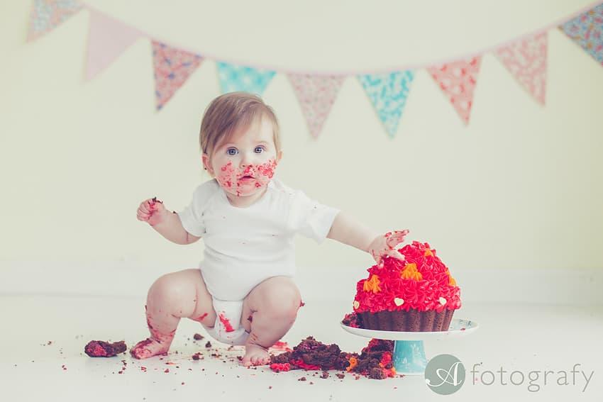 cute birthday cake smash photography Edinburgh-019