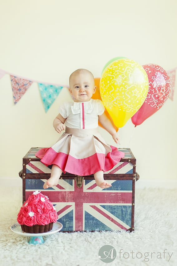 baby birthday cake smash photo session