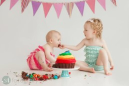 Cake smash session with Begbie sisters 1