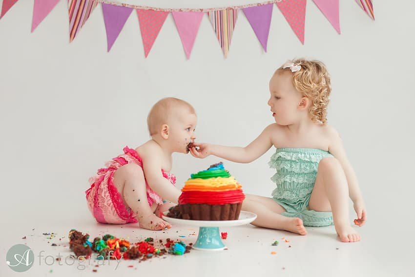 Cake smash session with Begbie sisters 38