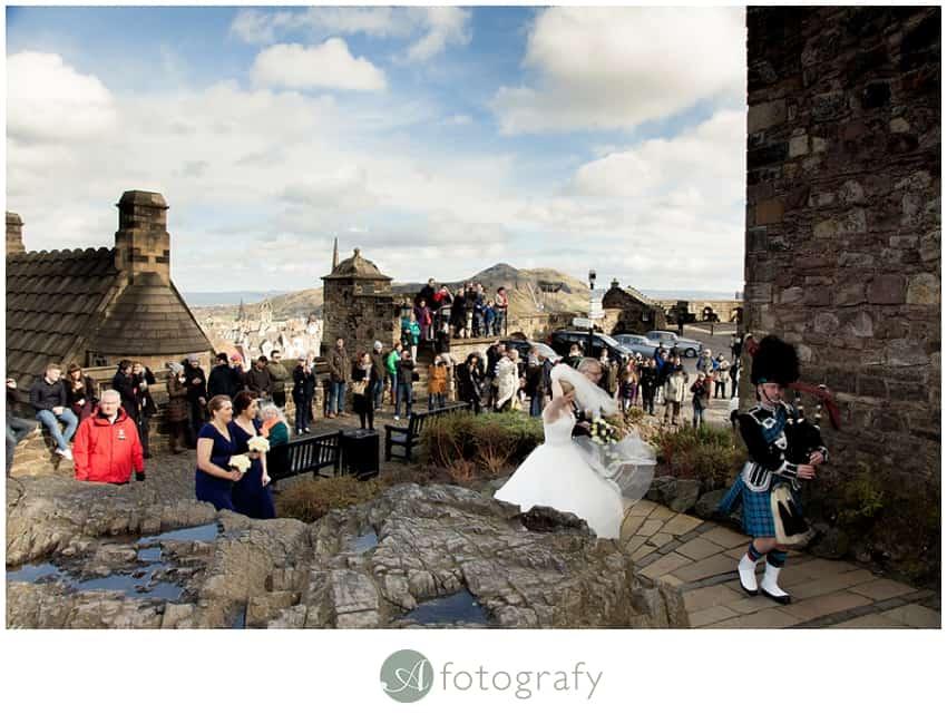 edinburgh castle wedding photographers_0018