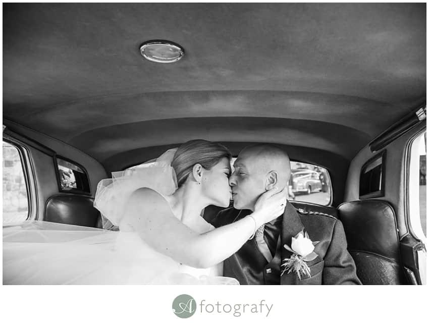 edinburgh castle wedding photographers_0019