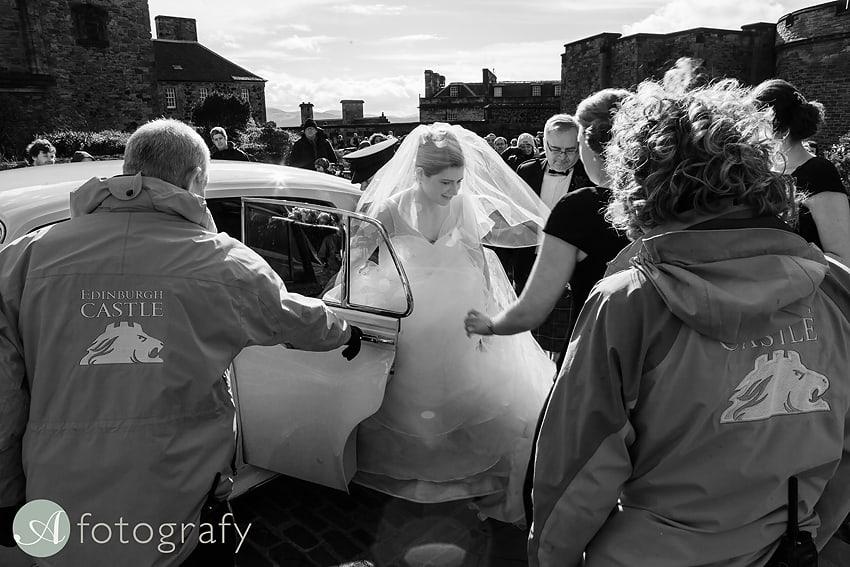 edinburgh castle wedding photography -008