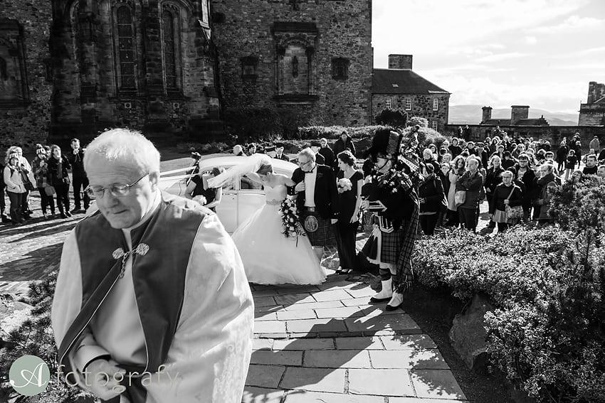 edinburgh castle wedding photography -009