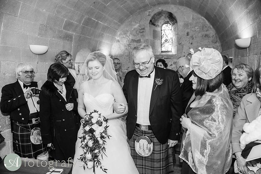 edinburgh castle wedding photography -010