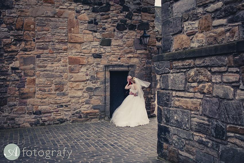 edinburgh castle wedding photography -019