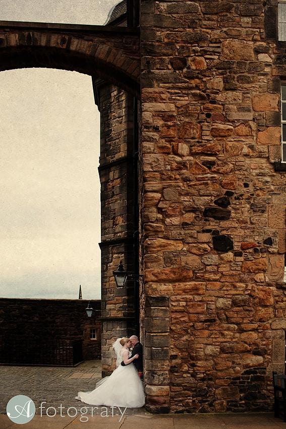 edinburgh castle wedding photography -020