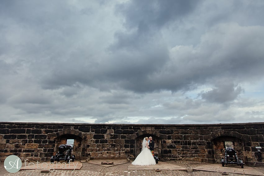 edinburgh castle wedding photography -024