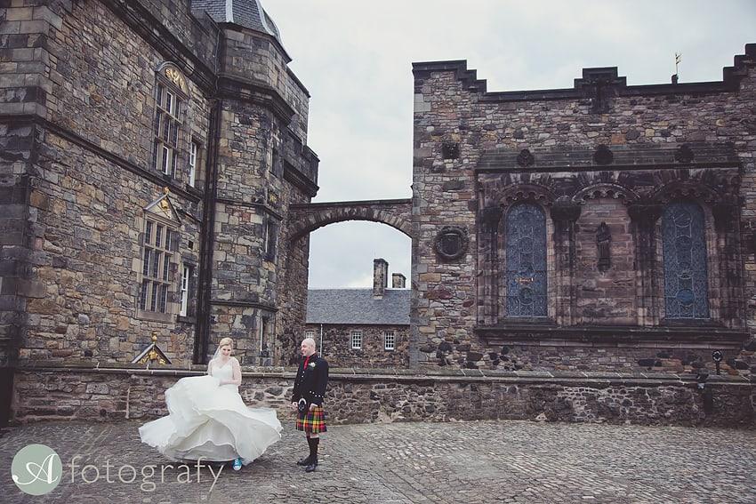 edinburgh castle wedding photography -025
