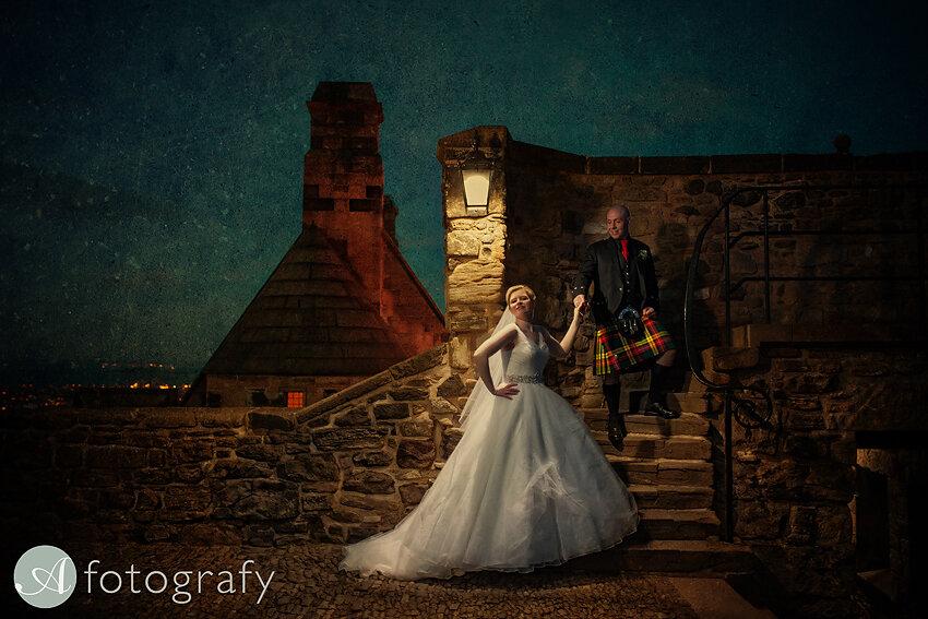 edinburgh castle wedding photography -034