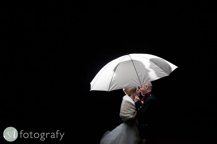 edinburgh castle wedding photography -040