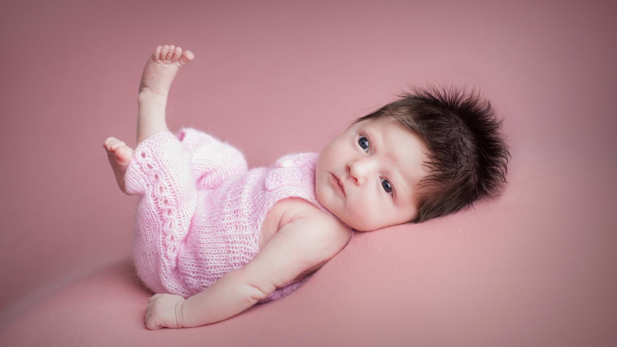 Newborn baby awake photos