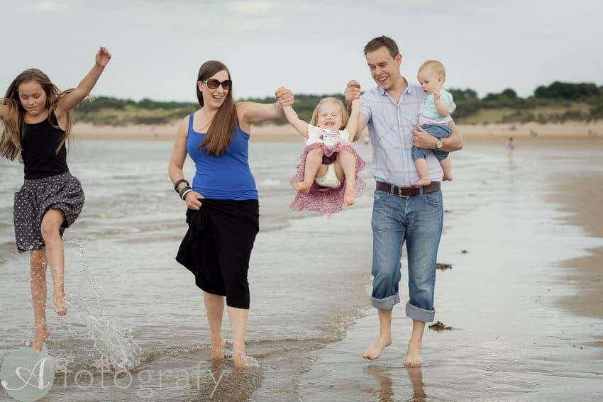 family beach portrait session-001