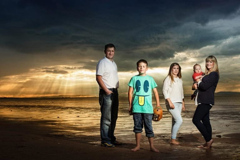 Family portraits on the beach Guide 6