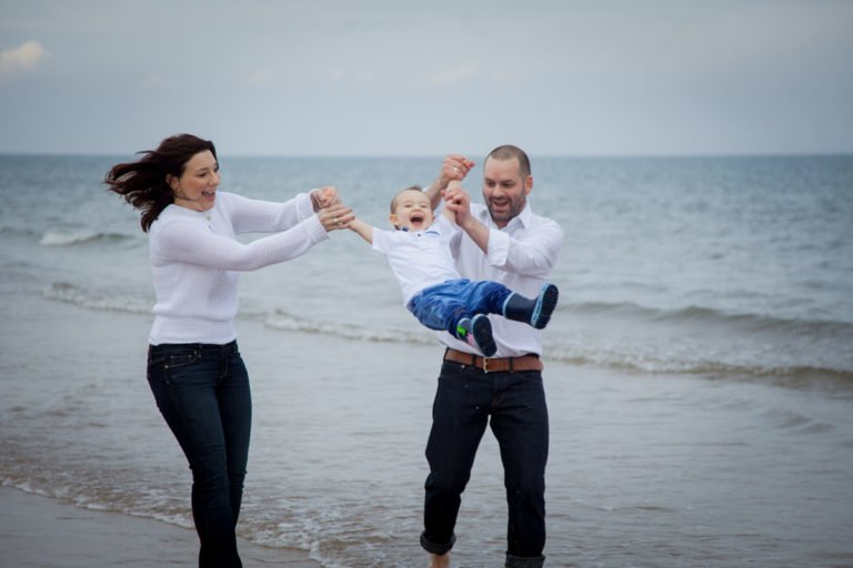 Family portraits on the beach Guide 22