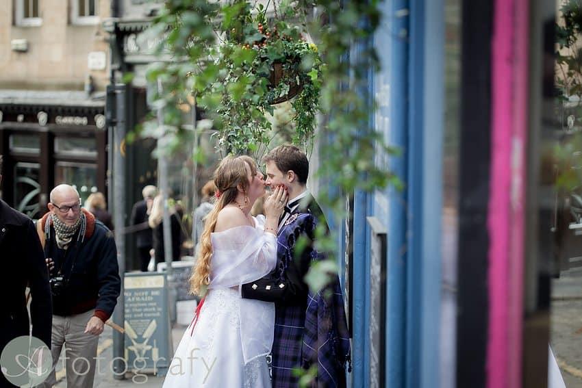 edinburgh city wedding photography -001
