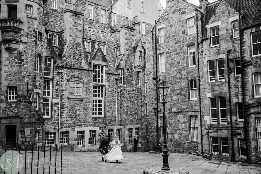 edinburgh city wedding photography -012