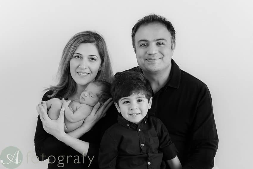 newborn and family photos-012