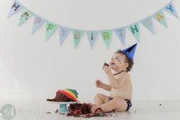 A-Fotografy baby photographers cake smash session with Hugo 70