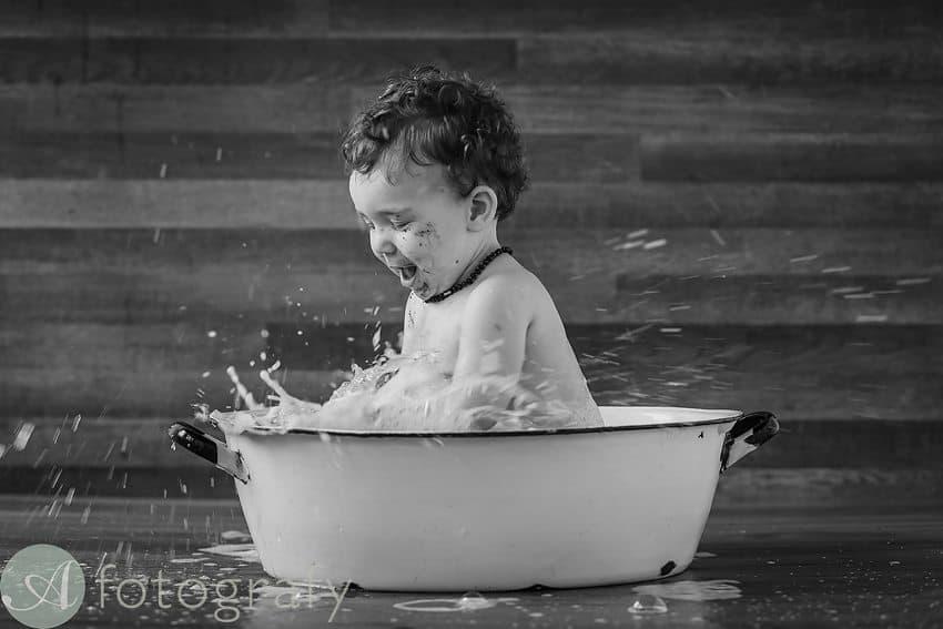 Edinburgh baby photographers cake smash-018