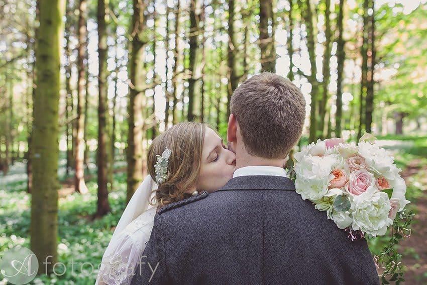 Broxmouth park wedding photos-015
