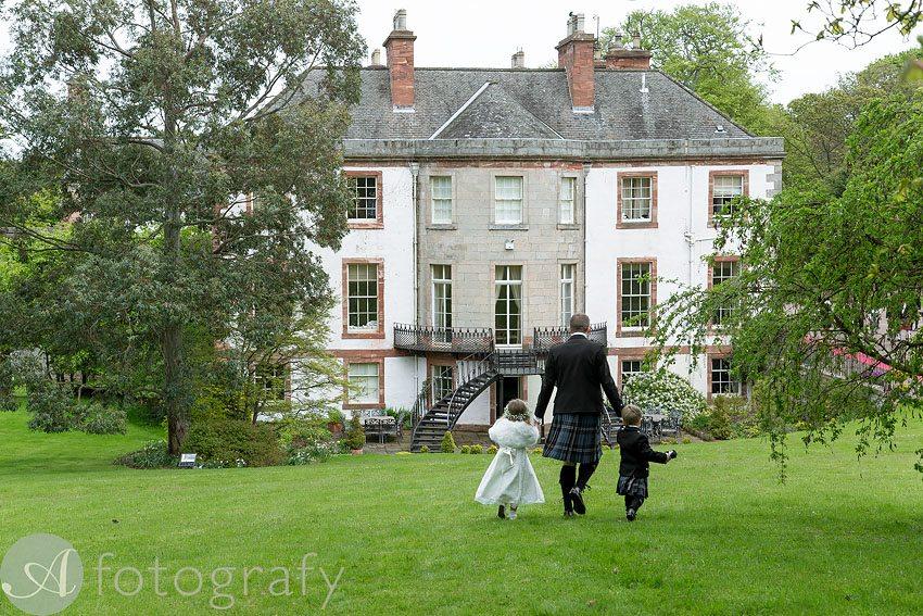 wedding photos at broxmouth park-008